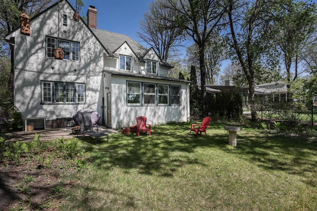 Main Photo: 604 South Drive in Winnipeg: East Fort Garry Residential for sale (1J)  : MLS®# 202104372