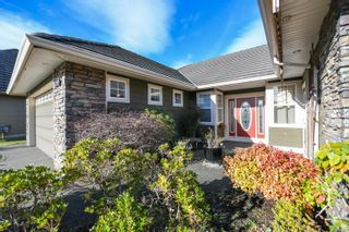 Photo 2: 2326 Suffolk Cres in : CV Crown Isle House for sale (Comox Valley)  : MLS®# 865718