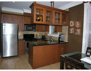 Photo 5: 255 E 13TH Avenue in Vancouver: Mount Pleasant VE Townhouse for sale (Vancouver East)  : MLS®# V685272