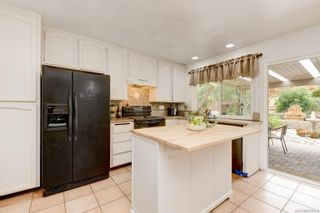 Photo 11: ENCINITAS House for sale : 4 bedrooms : 272 Village Run W