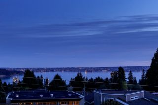 Photo 14: 1515 MATHERS Avenue in West Vancouver: Ambleside House for sale : MLS®# R2514498