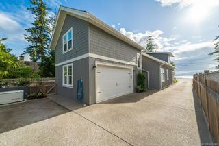 Photo 2: 10315 West Saanich Rd in North Saanich: NS Airport House for sale : MLS®# 841440