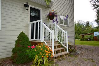 Photo 5: 1562 COTTONWOOD Street: Telkwa House for sale (Smithers And Area (Zone 54))  : MLS®# R2481070