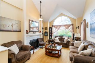 Photo 4: 2917 DELAHAYE Drive in Coquitlam: Canyon Springs House for sale : MLS®# R2559016