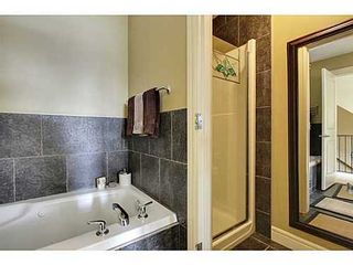 Photo 15: 202 34 Avenue SW in Calgary: 2 and Half Storey for sale : MLS®# C3554793