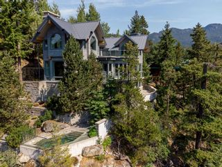 Photo 2: 9329 AUTUMN Place in Whistler: Emerald Estates House for sale : MLS®# R2599086