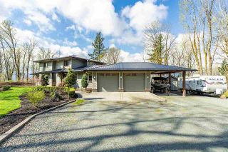 Photo 2: 43207 SALMONBERRY Drive in Chilliwack: Chilliwack Mountain House for sale : MLS®# R2529009