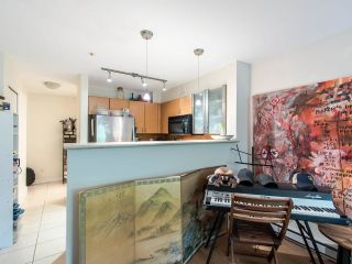 "Photo 5: 205 2741 E HASTINGS Street in Vancouver: Hastings Sunrise Condo for sale in ""The Riviera"" (Vancouver East)  : MLS®# R2407419"