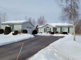 Photo 1: 1063 Ernst Drive in Aylesford: 404-Kings County Residential for sale (Annapolis Valley)  : MLS®# 202103003