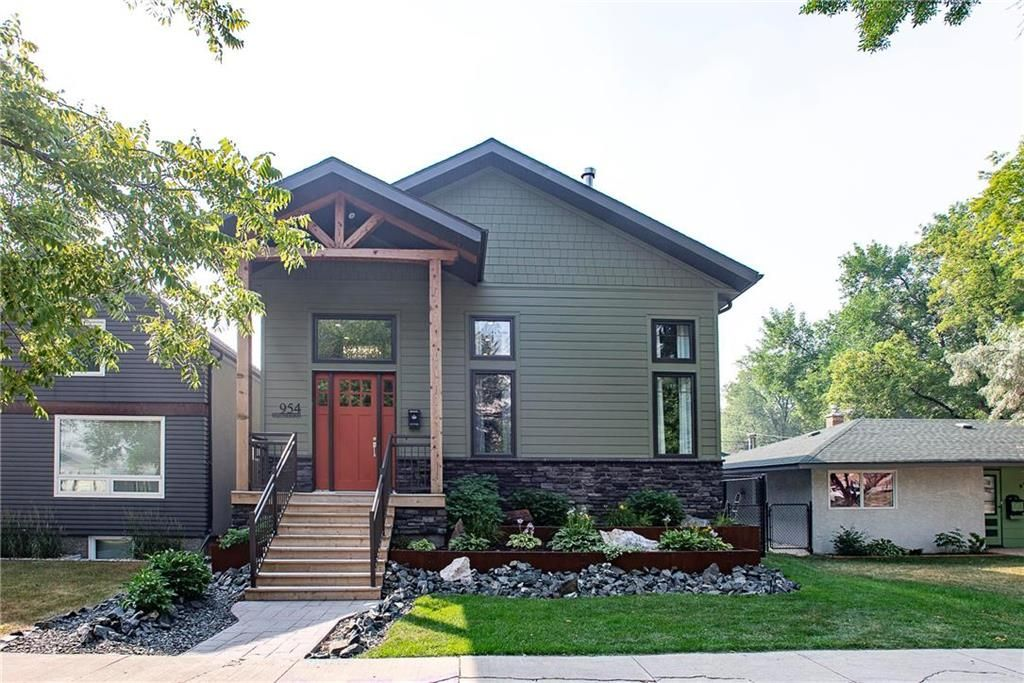 Main Photo: 954 Weatherdon Avenue in Winnipeg: Crescentwood Residential for sale (1Bw)  : MLS®# 202118670