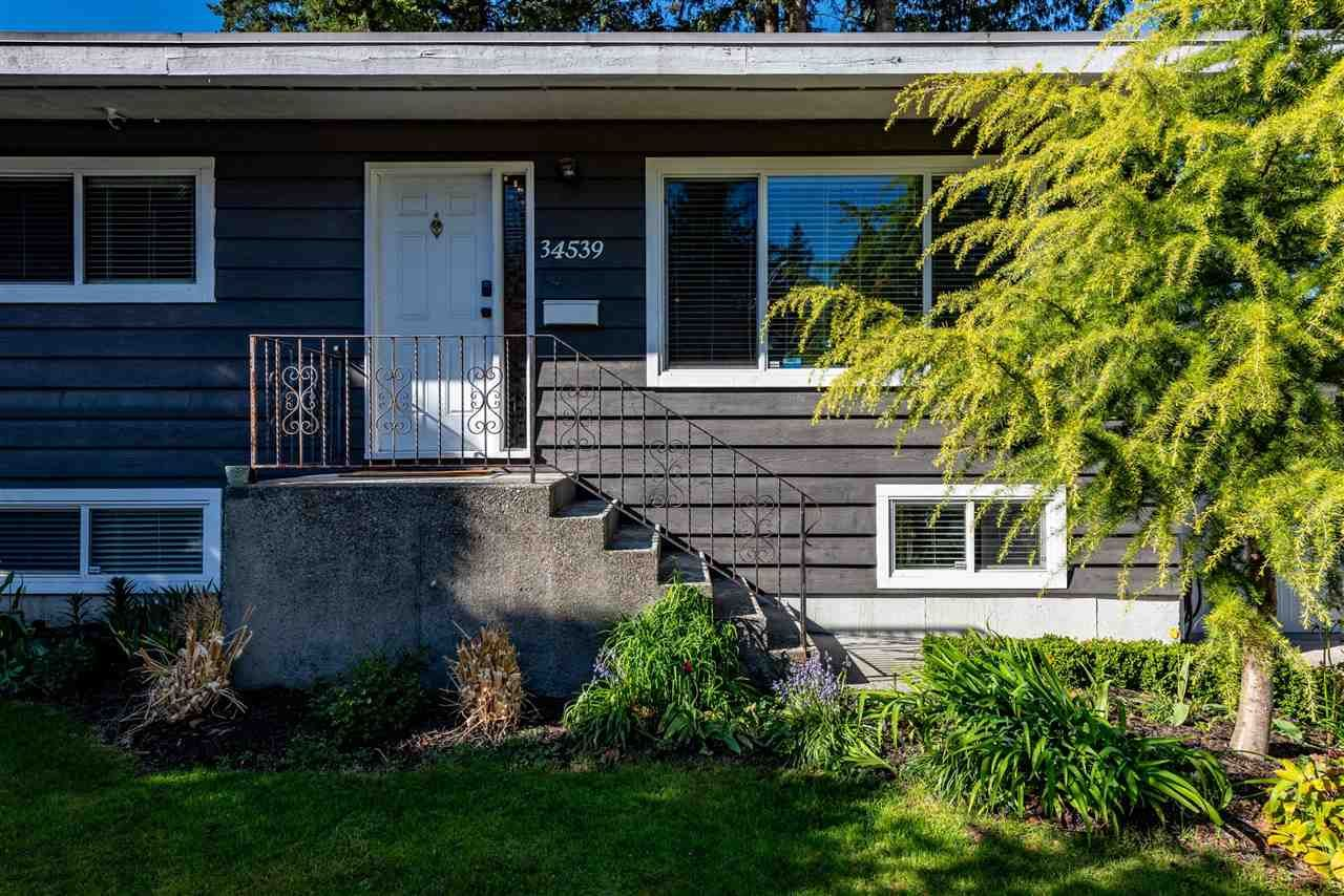 Photo 4: Photos: 34539 KENT Avenue in Abbotsford: Abbotsford East House for sale : MLS®# R2569540