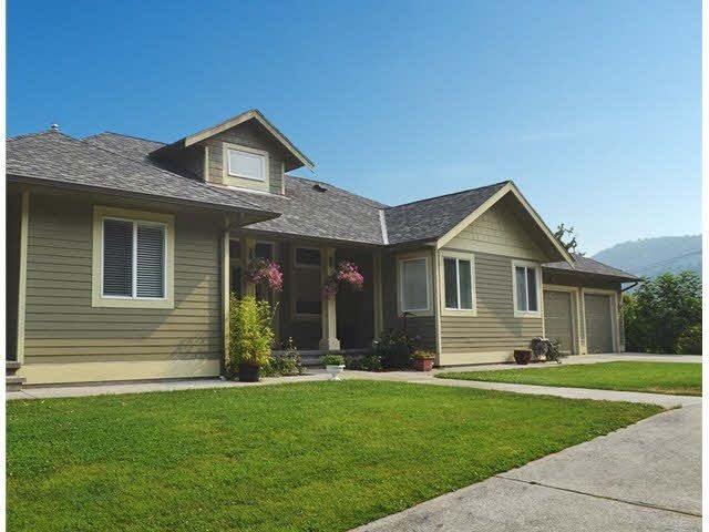 FEATURED LISTING: 4736 BEAR BAY Road Pender Harbour