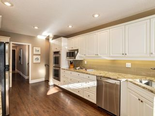 Photo 11: 407 49 Avenue SW in Calgary: Elboya Detached for sale : MLS®# A1060455