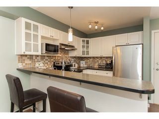 """Photo 7: 305 20896 57 Avenue in Langley: Langley City Condo for sale in """"BAYBERRY LANE"""" : MLS®# R2214120"""