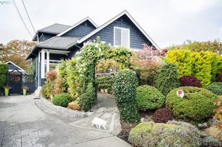 Photo 1: 922 Lawndale Ave in VICTORIA: Vi Fairfield East House for sale (Victoria)  : MLS®# 800501