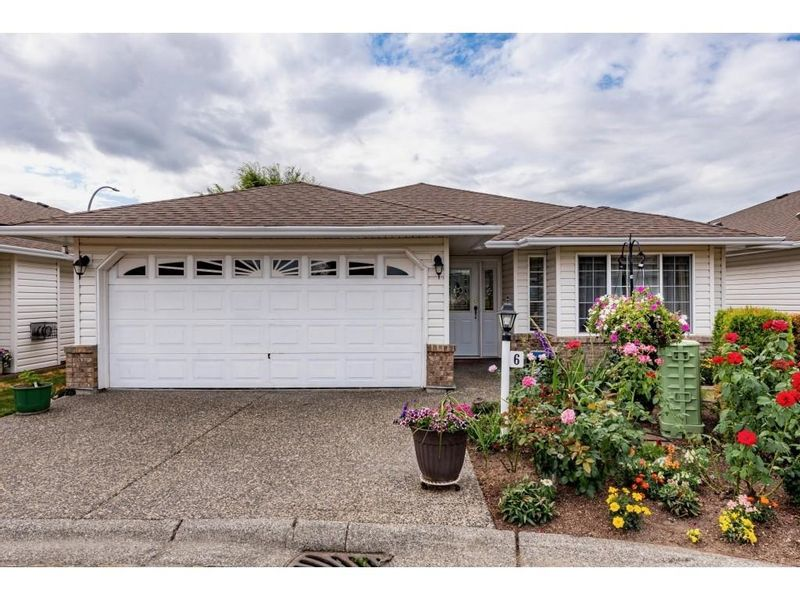 FEATURED LISTING: 6 - 46485 AIRPORT Road Chilliwack