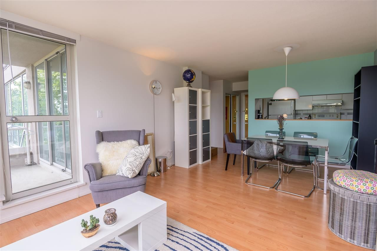 Photo 6: Photos: 603 9623 MANCHESTER Drive in Burnaby: Cariboo Condo for sale (Burnaby North)  : MLS®# R2381331