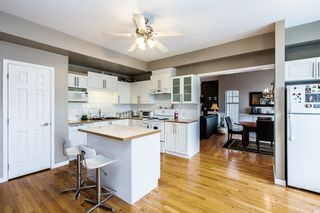 Photo 7: 9 8675 209th Steet in THE SYCAMORES: Walnut Grove House for sale ()