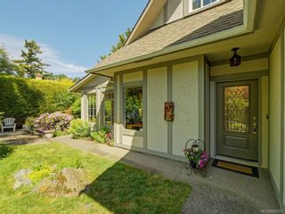 Photo 27: 1340 Manor Rd in Victoria: Vi Rockland House for sale : MLS®# 840521