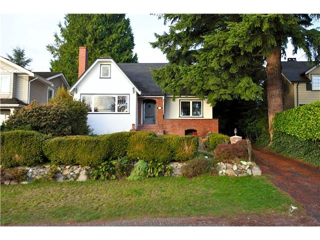 Main Photo: 1337 HAYWOOD AV in West Vancouver: Ambleside House for sale : MLS®# V982971