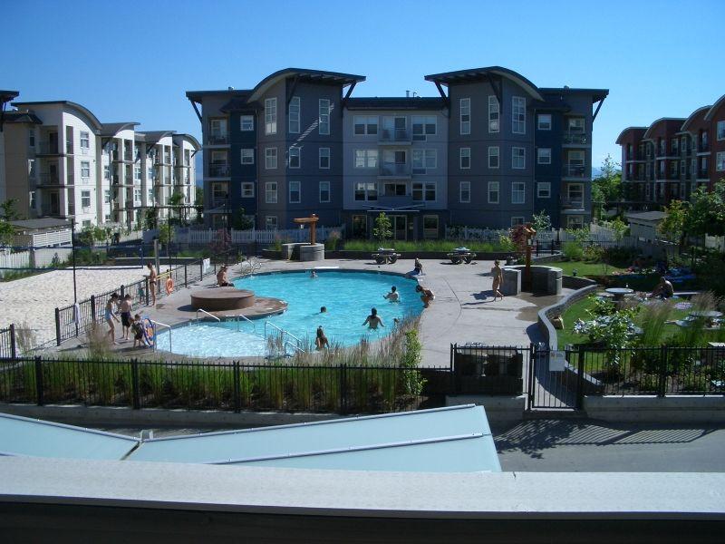 Main Photo: 211 539 Yates Road in Kelowna: Apartment Unit for sale (North Glenmore)  : MLS®# 9215556