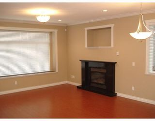 Photo 3: 4511 PARKER Street in Burnaby: Brentwood Park 1/2 Duplex for sale (Burnaby North)  : MLS®# V786784