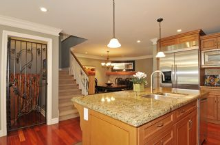 Photo 10: 12366 22nd Ave in South Surrey: Home for sale