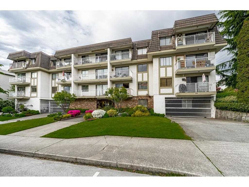 """Main Photo: 302 306 W 1ST Street in North Vancouver: Lower Lonsdale Condo for sale in """"LA VIVA"""" : MLS®# R2577061"""