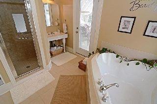 Photo 9: 30 Peter Street in Markham: Markham Village House (2-Storey) for sale : MLS®# N2847839