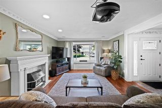 """Photo 3: 33518 KNIGHT Avenue in Mission: Mission BC House for sale in """"COLLEGE HEIGHTS"""" : MLS®# R2484128"""
