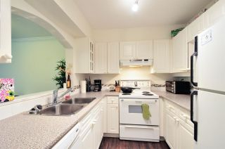"""Photo 2: 111 3738 NORFOLK Street in Burnaby: Central BN Condo for sale in """"THE WINCHELSEA"""" (Burnaby North)  : MLS®# R2074428"""