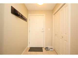 Photo 3: 206 120 COUNTRY VILLAGE Circle NE in Calgary: Country Hills Village Condo for sale : MLS®# C4028039