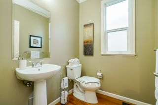 """Photo 5: 6918 208B Street in Langley: Willoughby Heights House for sale in """"Milner Heights"""" : MLS®# R2503739"""