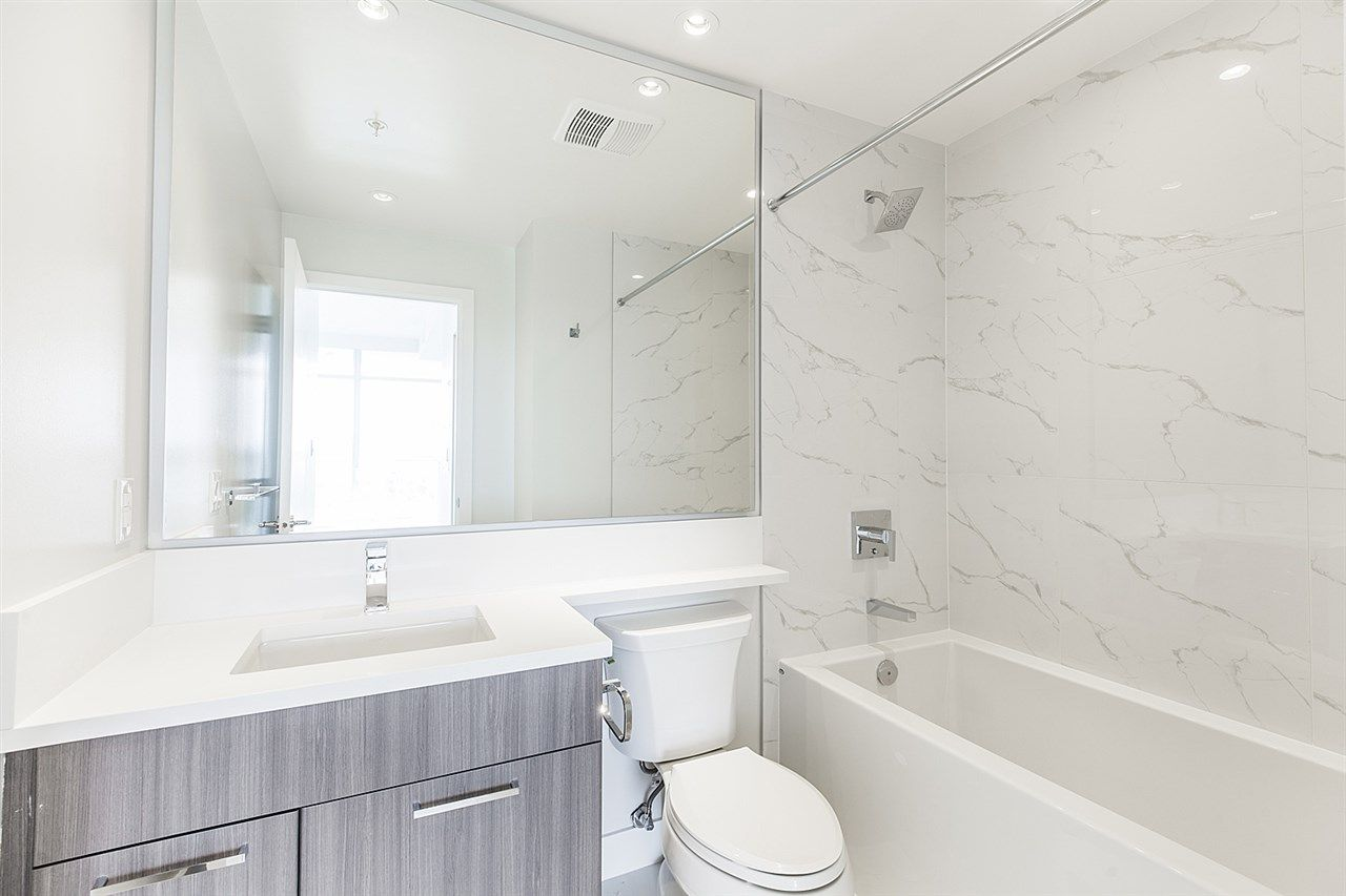 """Photo 13: Photos: 2105 1788 GILMORE Avenue in Burnaby: Brentwood Park Condo for sale in """"Escala"""" (Burnaby North)  : MLS®# R2396907"""