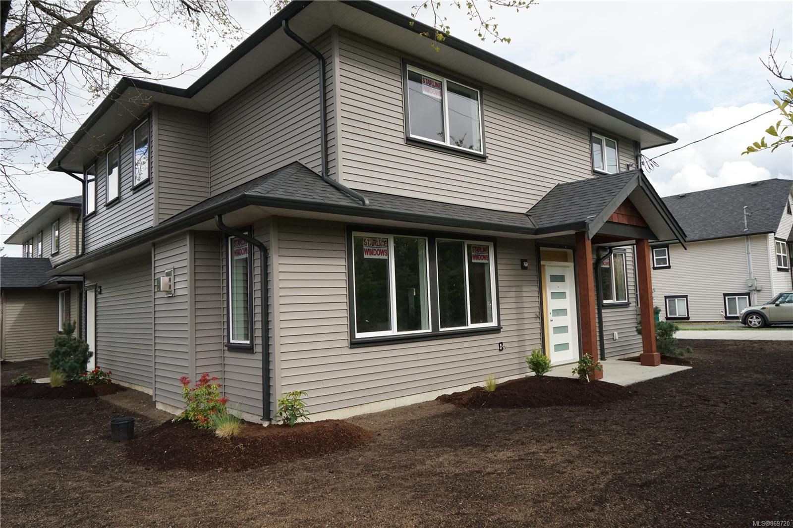 Photo 3: Photos: 770 Bruce Ave in : Na South Nanaimo House for sale (Nanaimo)  : MLS®# 869720