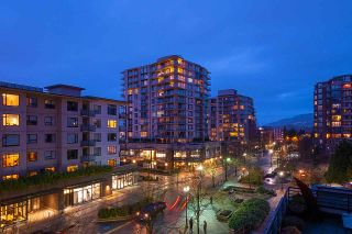 """Photo 16: 404 124 W 1ST Street in North Vancouver: Lower Lonsdale Condo for sale in """"The """"Q"""""""" : MLS®# R2430704"""