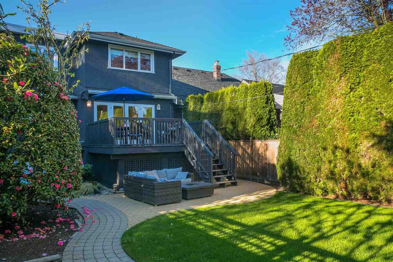 Photo 2: Photos: 68 W 23RD Avenue in Vancouver: Cambie House for sale (Vancouver West)  : MLS®# R2361113