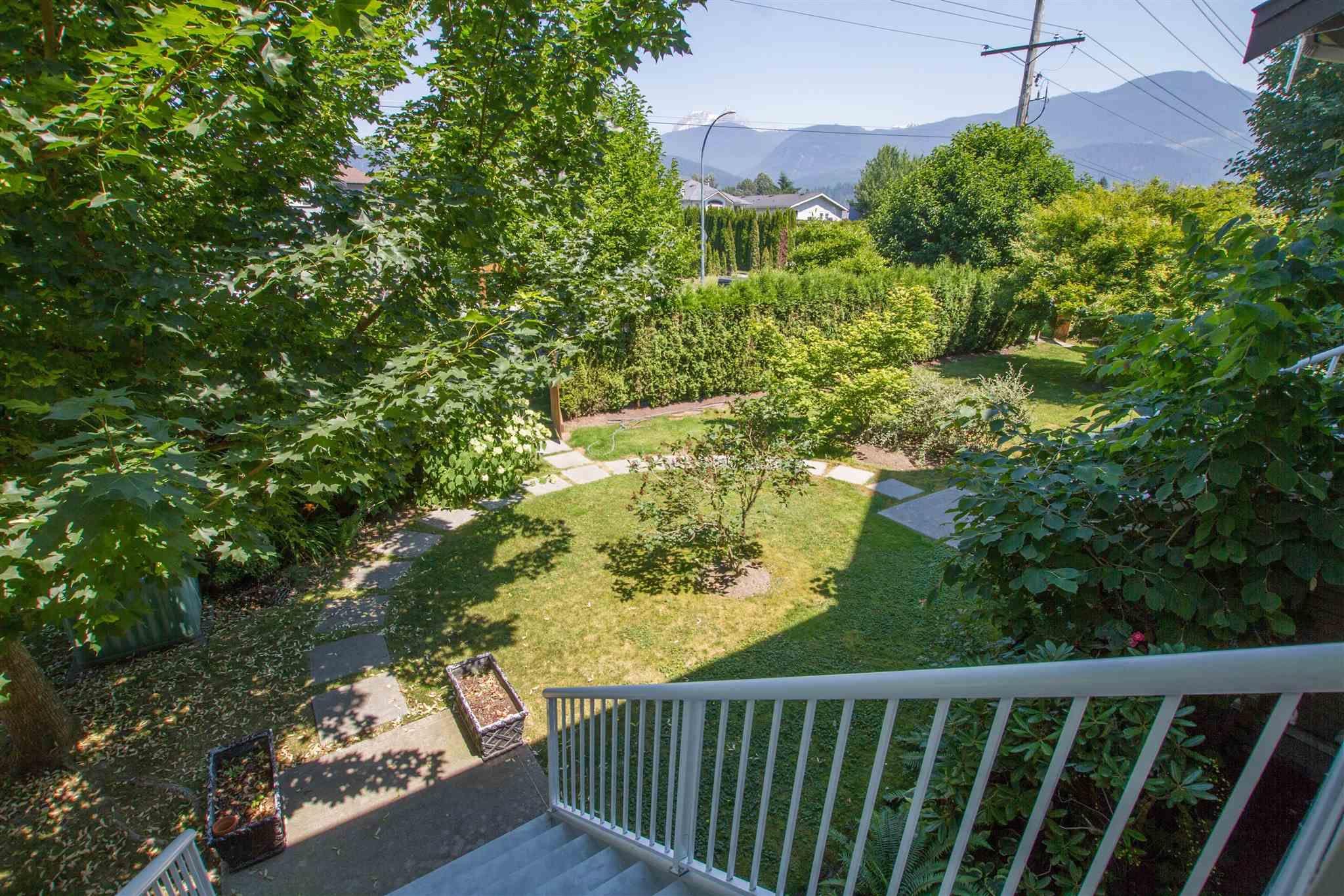 """Photo 5: Photos: 11 1800 MAMQUAM Road in Squamish: Garibaldi Estates Townhouse for sale in """"Virescence"""" : MLS®# R2597844"""