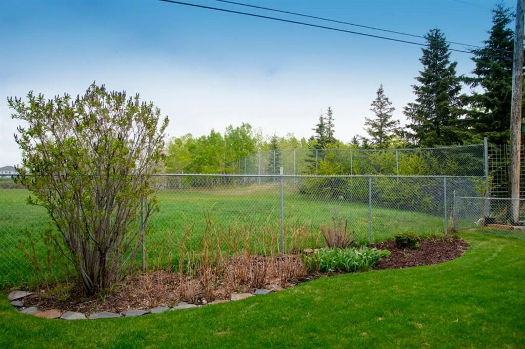 Photo 40: Photos: 32 Prominence Park SW in Calgary: Patterson Row/Townhouse for sale : MLS®# A1112438