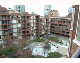 "Photo 1: 814 1330 BURRARD Street in Vancouver: Downtown VW Condo for sale in ""ANCHOR POINT 1"" (Vancouver West)  : MLS®# V757308"