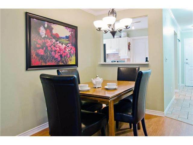 """Photo 6: Photos: 106 15272 20TH Avenue in Surrey: King George Corridor Condo for sale in """"Windsor Court"""" (South Surrey White Rock)  : MLS®# F1429895"""