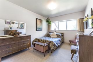Photo 12: 4041 LIONS Avenue in North Vancouver: Forest Hills NV House for sale : MLS®# R2397426
