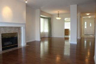 "Photo 2: 130 28 RICHMOND Street in New Westminster: Fraserview NW Townhouse for sale in ""Castle Ridge"" : MLS®# R2466235"