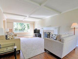 Photo 2: 647 EAST KINGS Road in North Vancouver: Princess Park House for sale : MLS®# R2107833