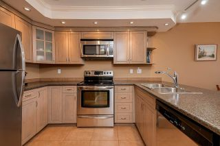 """Photo 8: 303 70 RICHMOND Street in New Westminster: Fraserview NW Condo for sale in """"GOVERNOR'S COURT"""" : MLS®# R2571621"""