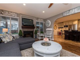 Photo 9: 5662 185 Street in Surrey: Cloverdale BC House for sale (Cloverdale)  : MLS®# R2430379