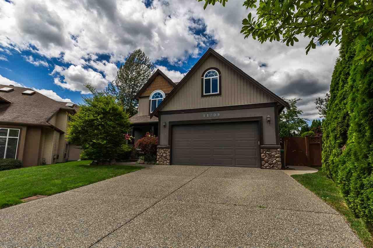 "Main Photo: 11009 237B Street in Maple Ridge: Cottonwood MR House for sale in ""Rainbow Ridge"" : MLS®# R2284249"