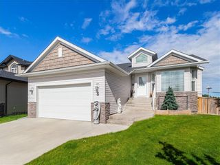 Photo 1: 8 Bondar Gate: Carstairs Detached for sale : MLS®# C4287231