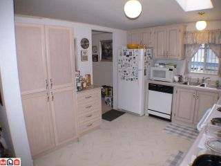 """Photo 6: 41 24330 FRASER Highway in Langley: Otter District Manufactured Home for sale in """"LANGLEY GROVE ESTATES"""" : MLS®# F1107918"""
