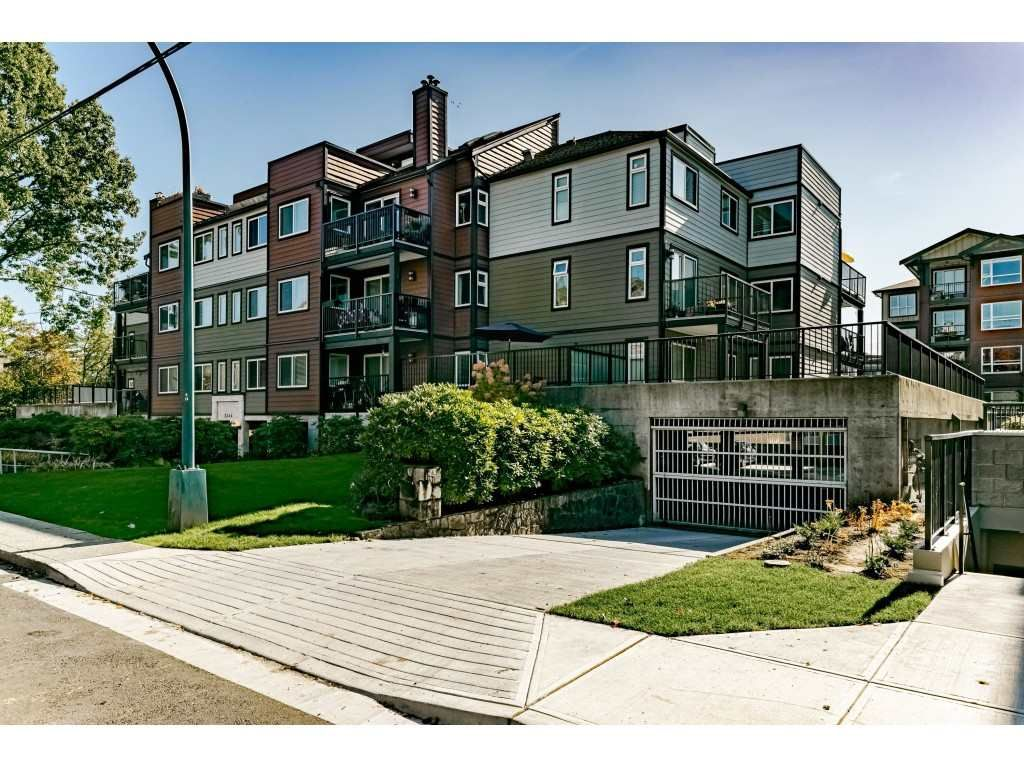 "Main Photo: 201 2344 ATKINS Avenue in Port Coquitlam: Central Pt Coquitlam Condo for sale in ""Mistral Quay"" : MLS®# R2413022"
